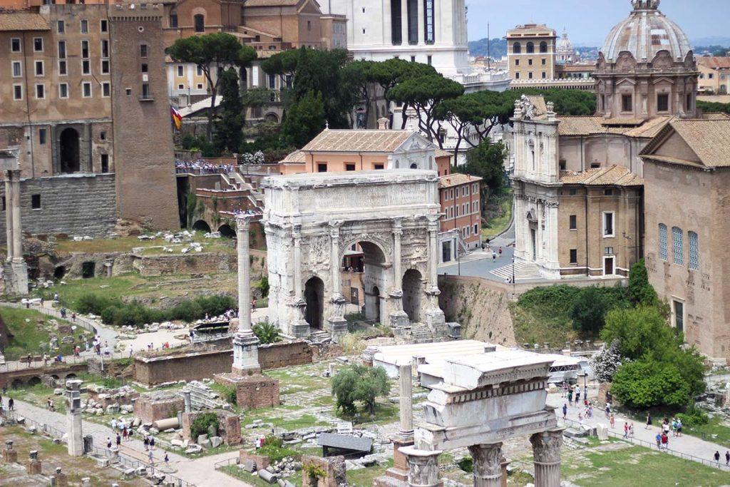 forum romanum rzym rzym co warto zobaczyć