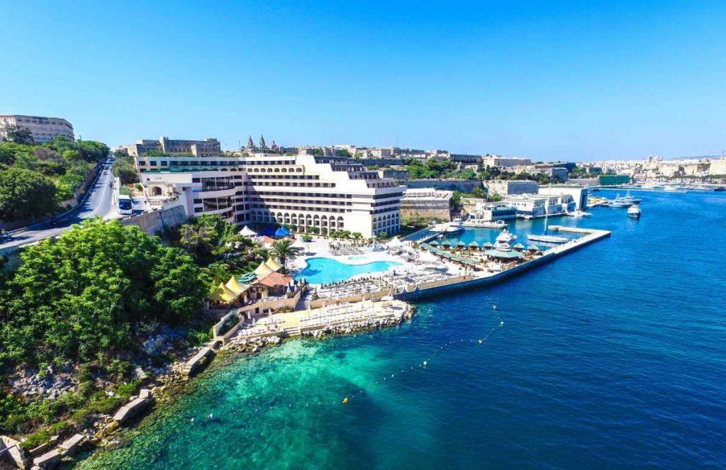 Malta Valletta hotel z basenem i plażą