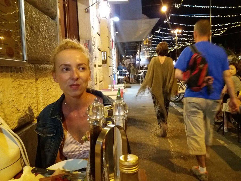 Rzym restauracje, jedzenie i nocne życie wiecznego miasta.