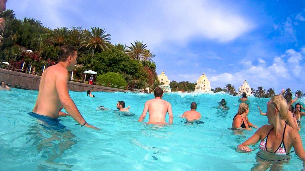 Siam Park Teneryfa basen z falami w parku wodnym