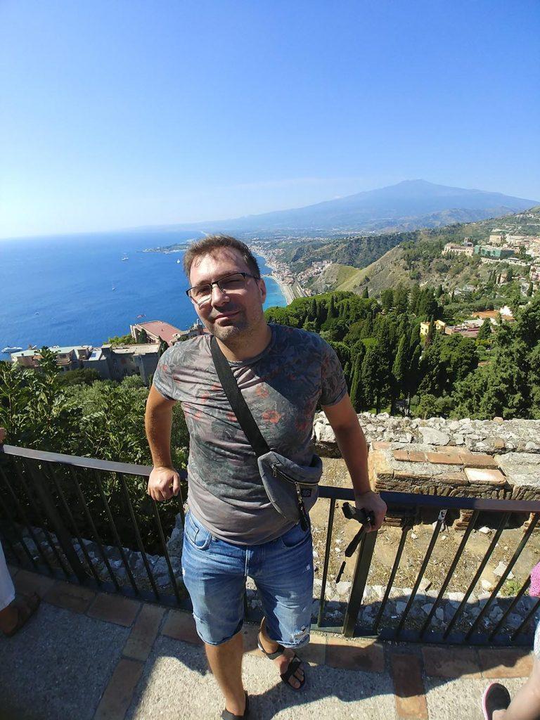 Taormina Sycylia widok na wulkan Etna
