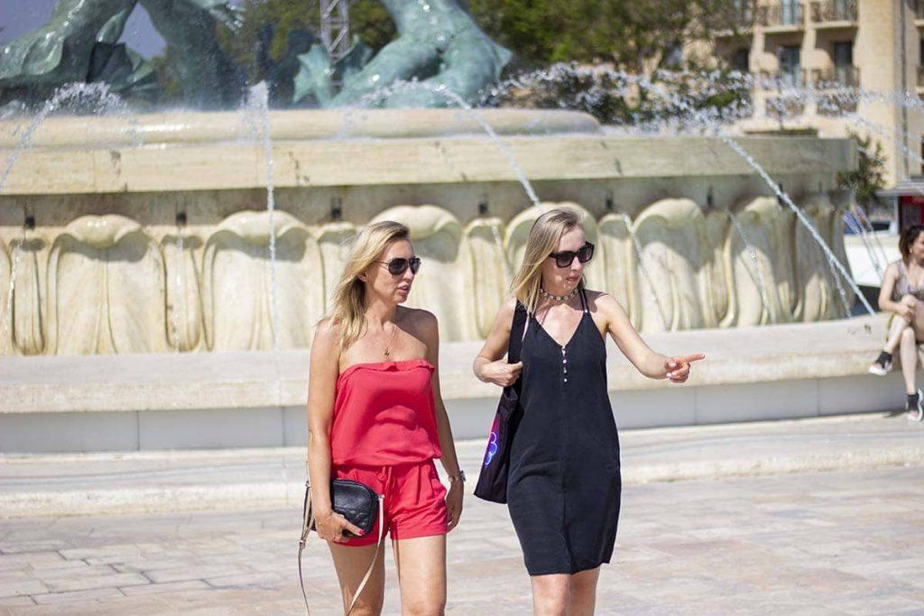 Valletta Fontanna Trytona atrakcje miasta co zwiedzić blog