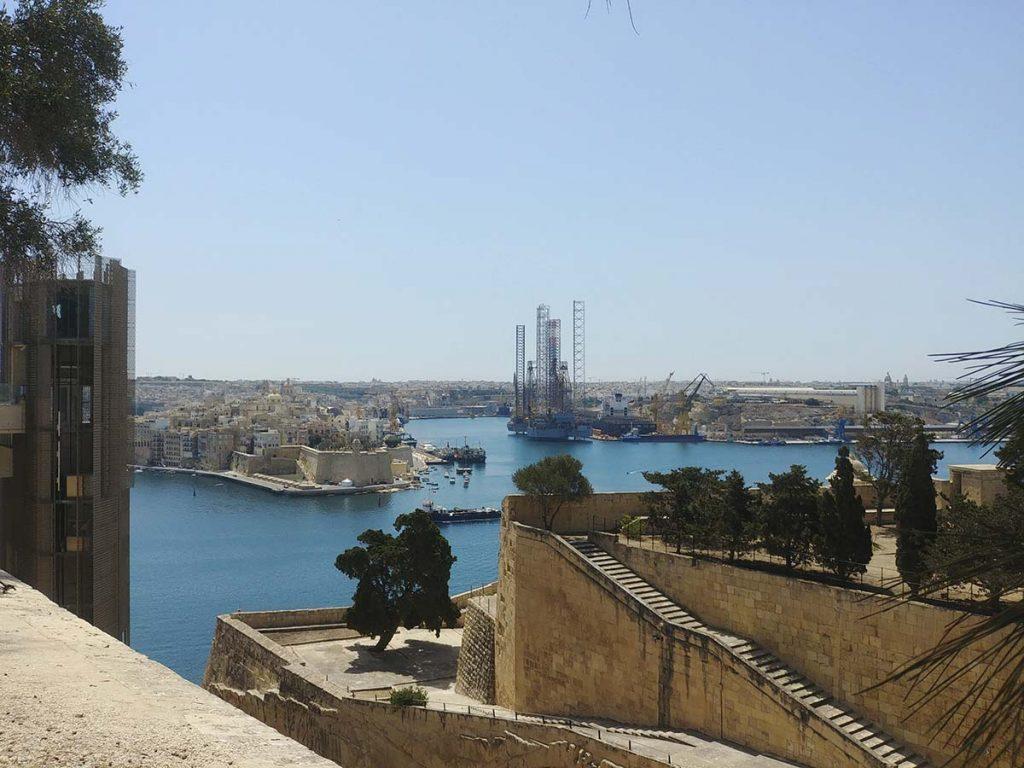Górne Ogrody Barrakka widoki atrakcje Valletta Malta