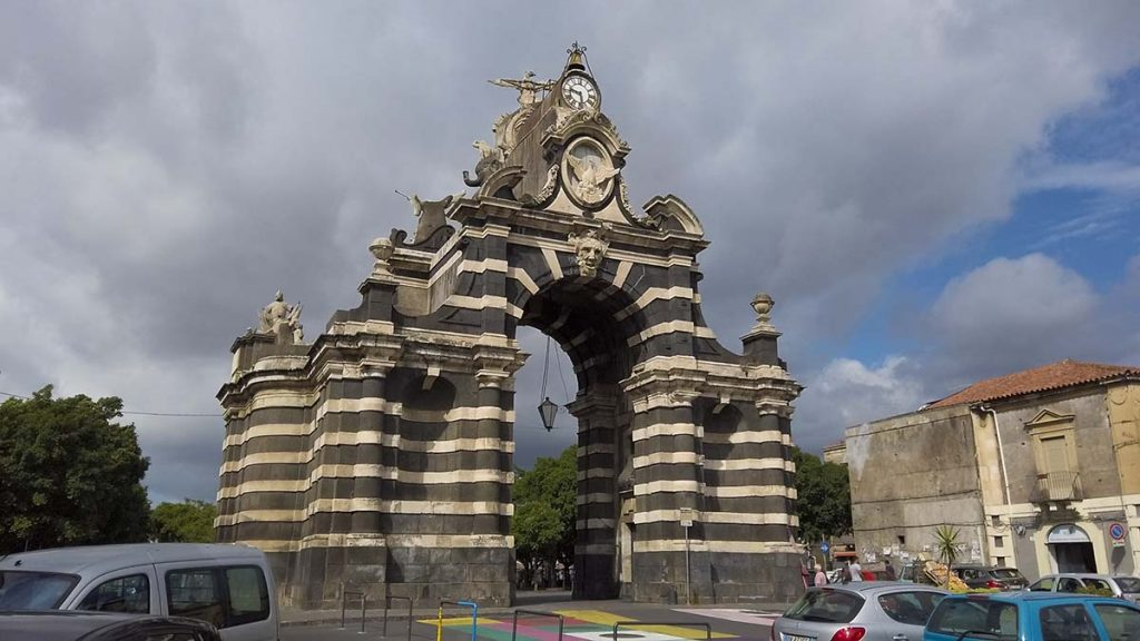 Atrakcje Katanii Porta garibaldi