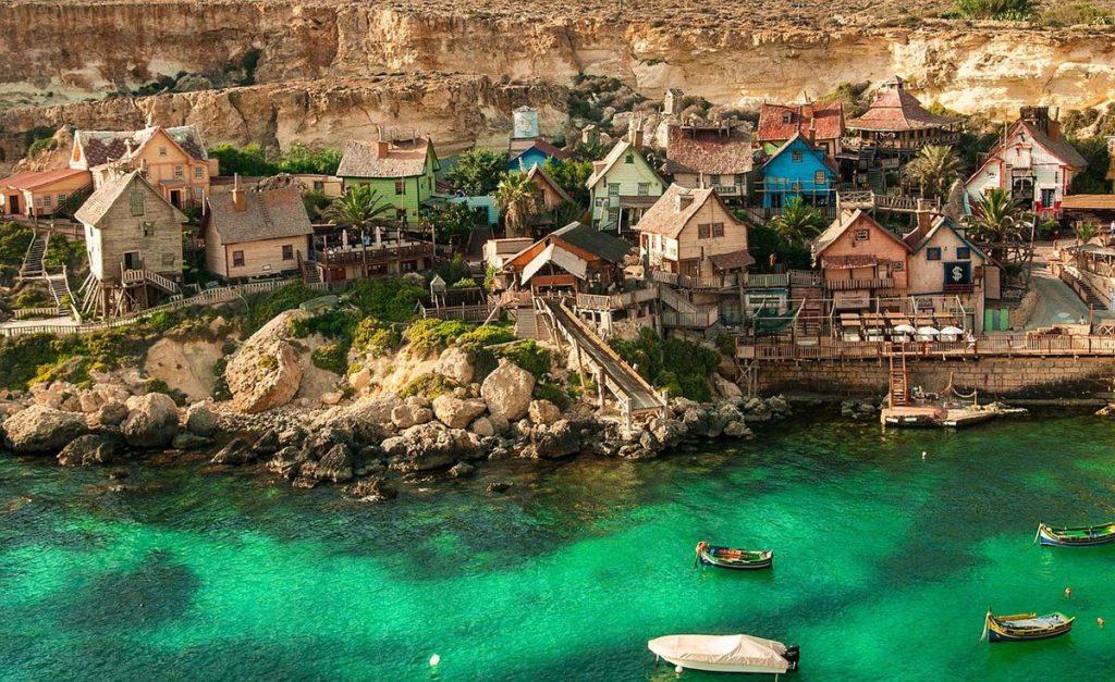 Popeye Village czyli wioska Popeye'a Malta atrakcje turystyczne do zwiedzania.