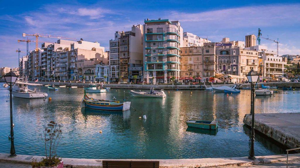 Malta St. Julian's atrakcje Malty i imprezowa część wyspy