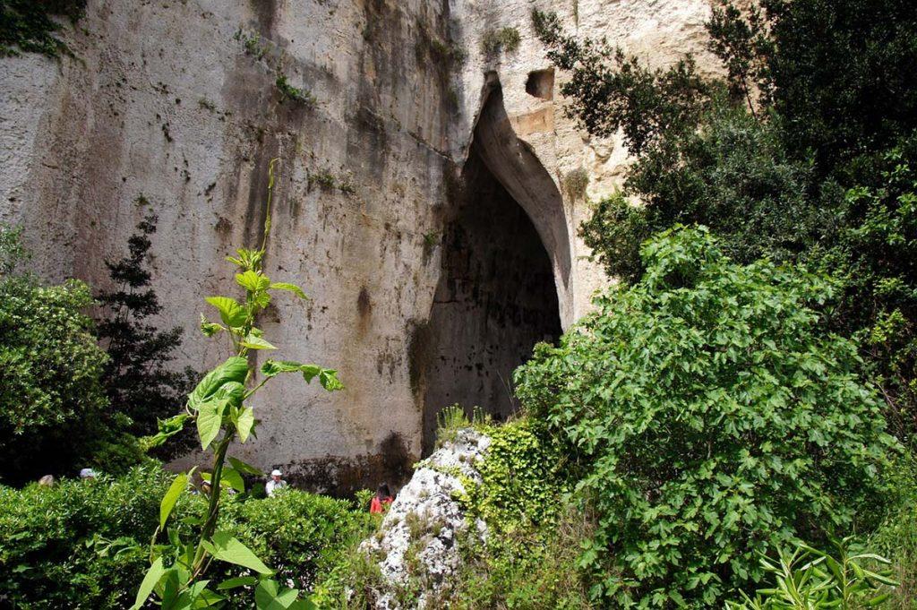Ucho Dionizosa Syrakuzy atrakcje co warto zobaczyć Sycylia