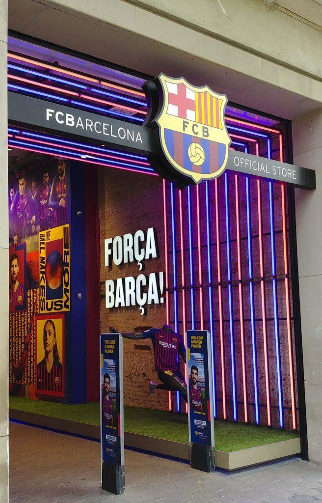 Oficjalny sklep FC Barcelona niedaleko placu Katalońskiego