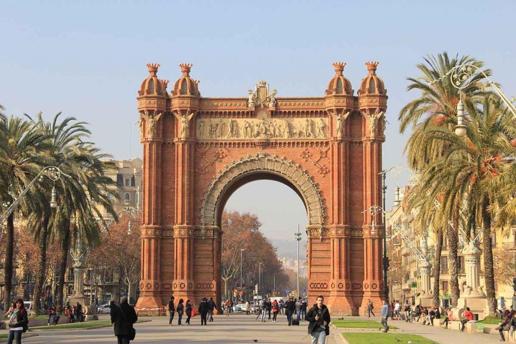 City break Barcelona podróż na własną rękę