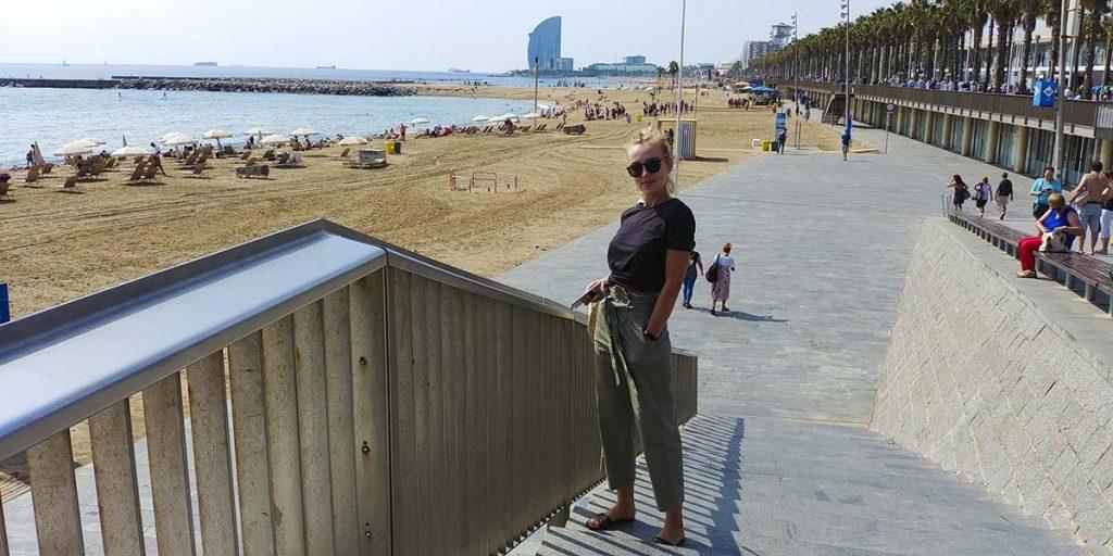 La Barceloneta najpopularniejsza plaża i promenada w Barcelonie