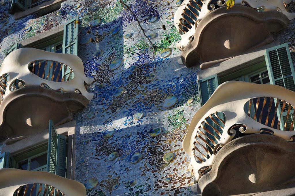 Antoni Gaudi i budynki atrakcje Barcelony