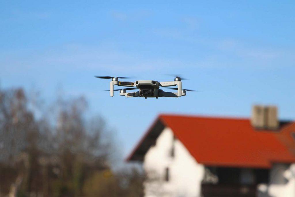 Dron Mavic Mini dla podróżnika. Niewielki dron o wielkich możliwościach.