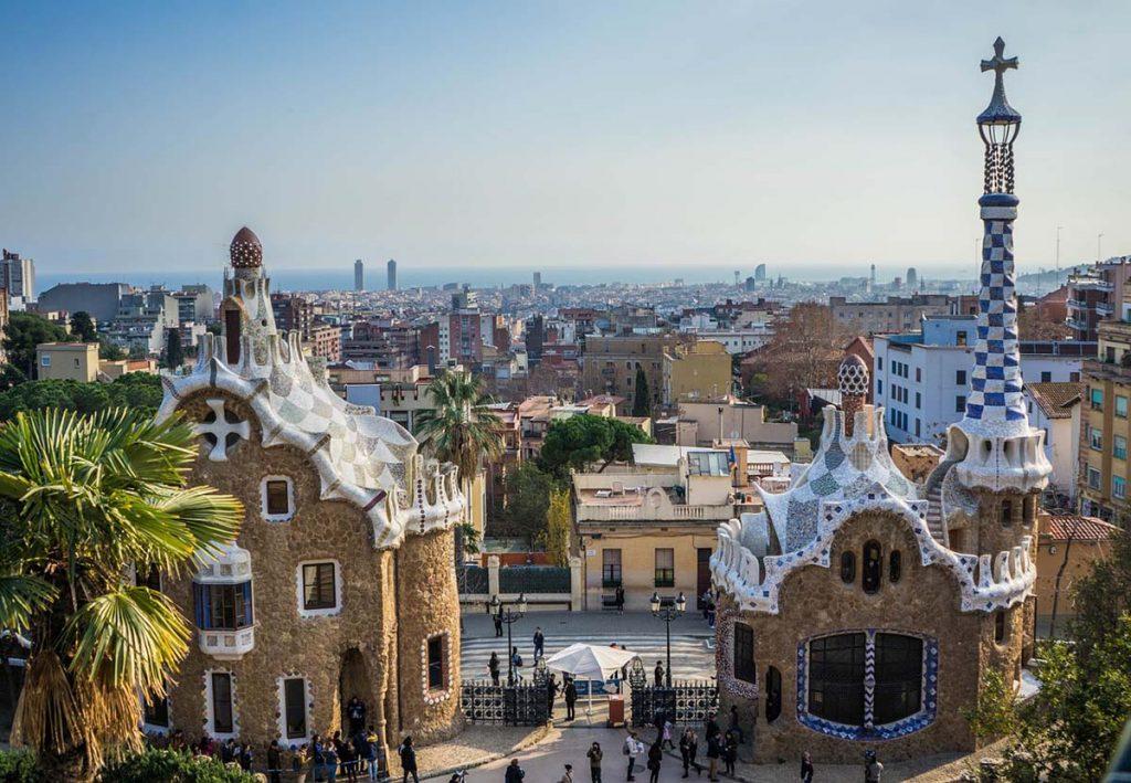 Park Guell Barcelona największe atrakcje turystyczne