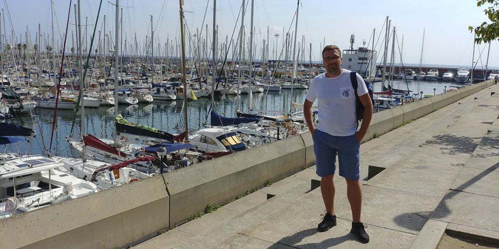 Barcelona port niedaleko La Barceloneta - fajne miejsca do zwiedzenia