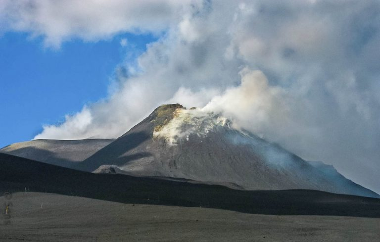 Etna wulkan na Sycylii