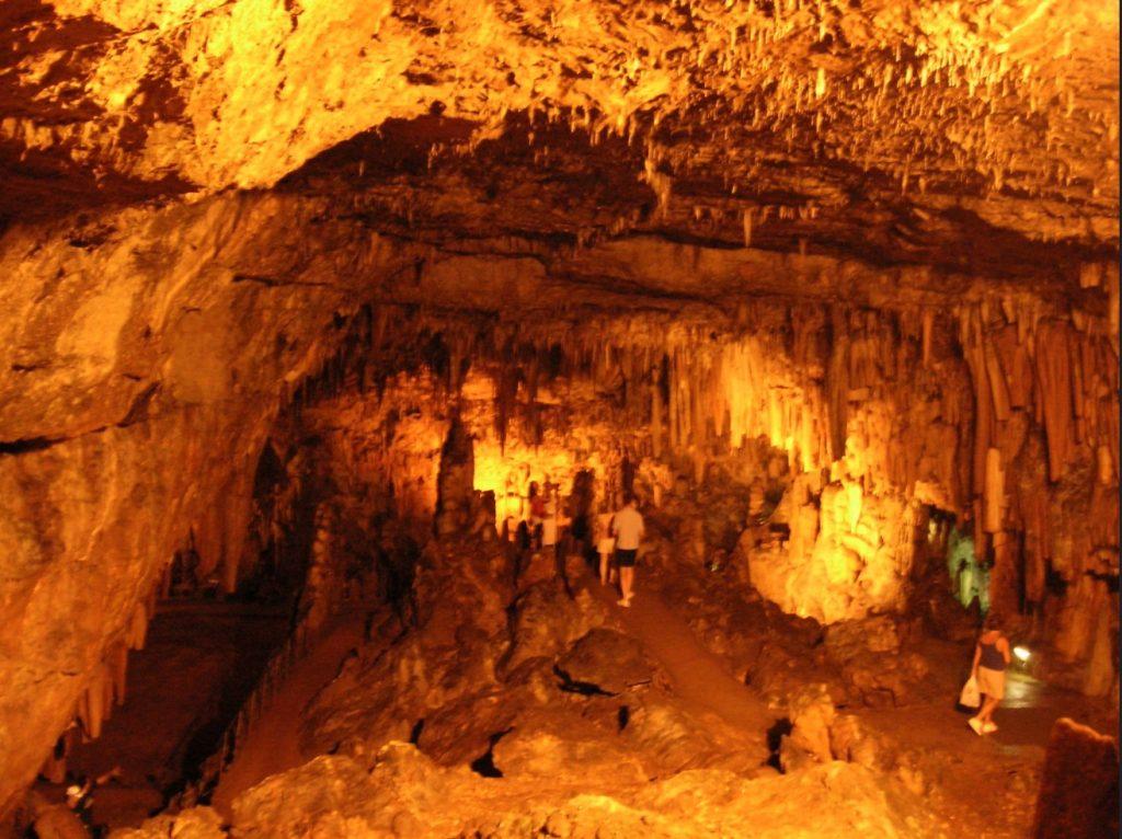 jaskinia drogarati kefalonia wyspy greckie grecja greckie wyspy