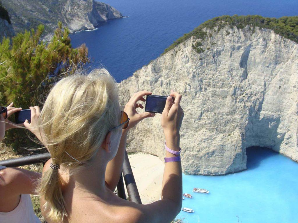 navagio beach grecja zakynthos podroze greckie wyspy