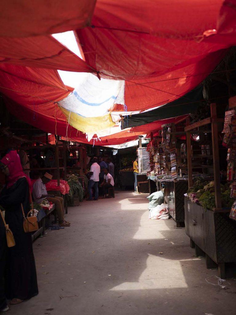 co zobaczyc zanzibar stone town darajani targ market zanzibar stone town