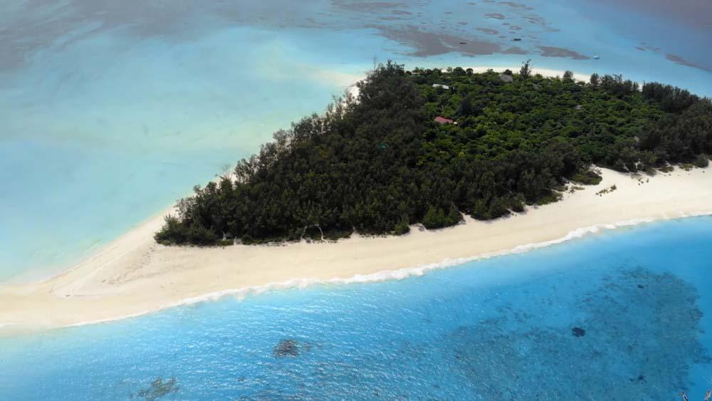 Zanzibar atrakcje turystyczne wyspa Mnemba i rafa koralowa w jej pobliżu