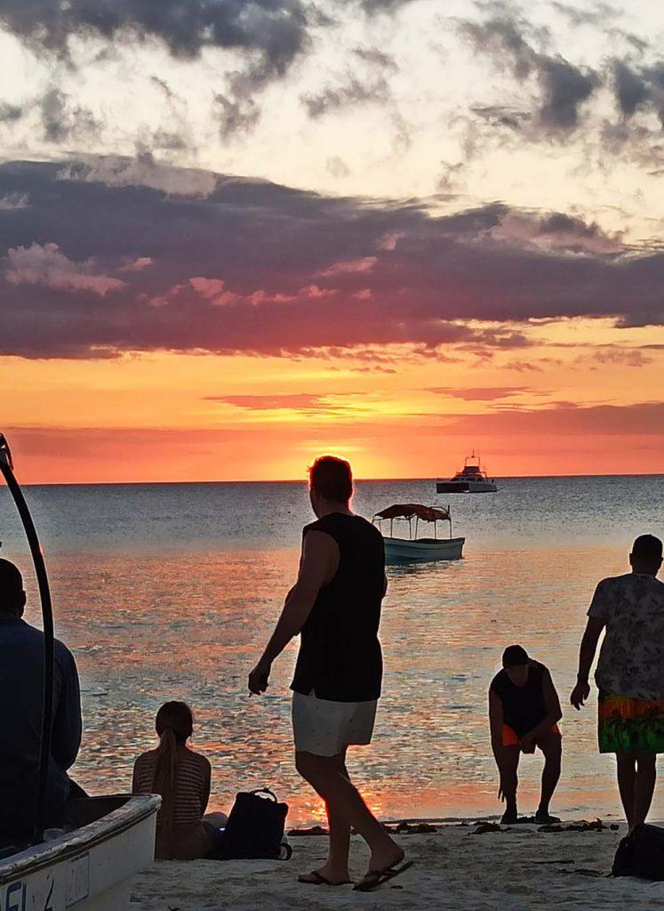 Zanzibar atrakcje co warto zobaczyć - zachód słońca w Nungwi