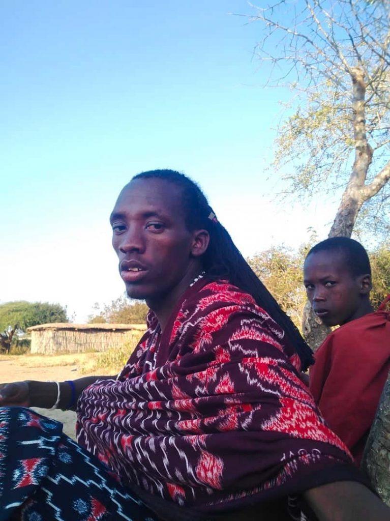 Masaj Afryka Tanzania - zaprosił nas do odwiedzenia jego wioski niedaleko Kilimandżaro